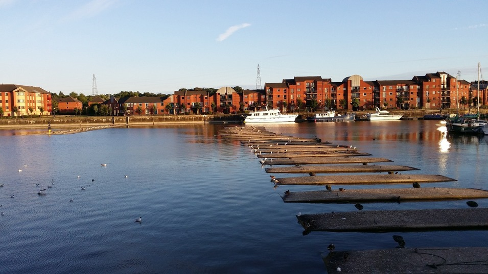 Preston Docklands in Ashton, with the houses behind, and the walk across.